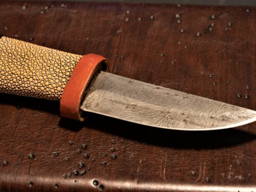 Hand forged folded steel knives